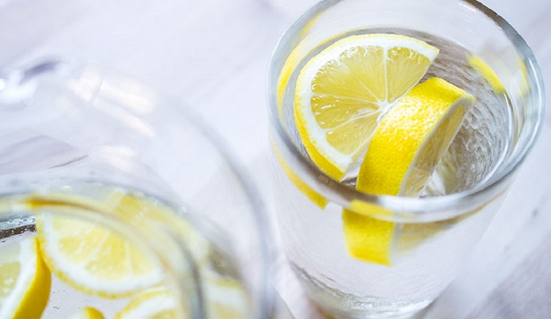 Limon Dilimli Su İçmek İçin 7 Neden 10